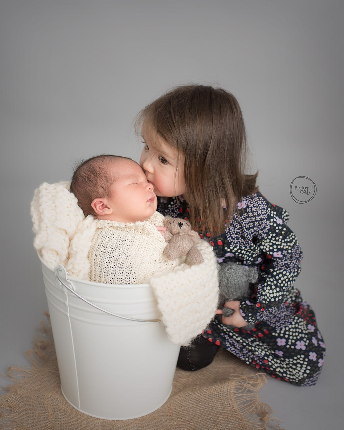 Toronto Newborn Photographer - Pictonat Photography