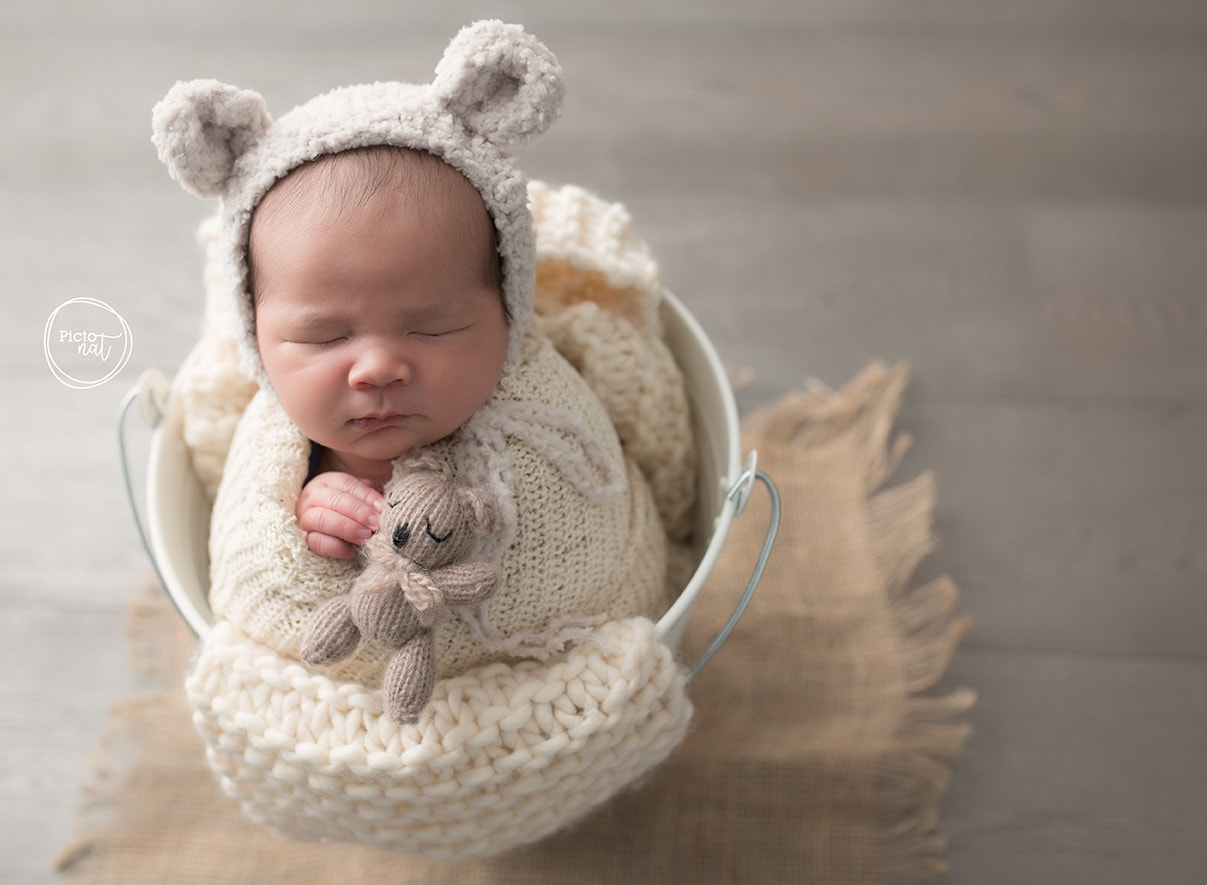 Newborn session Toronto with Pictonat Photography