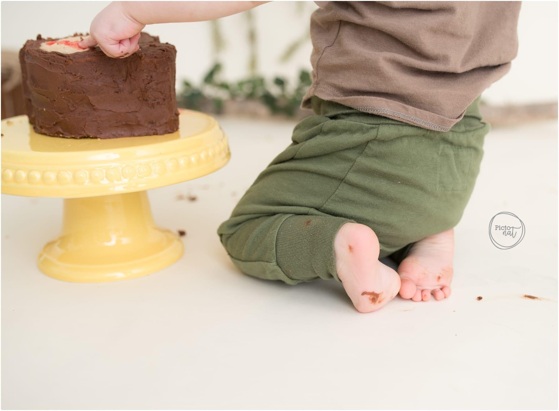 Cake smash toronto with Pictonat Photography