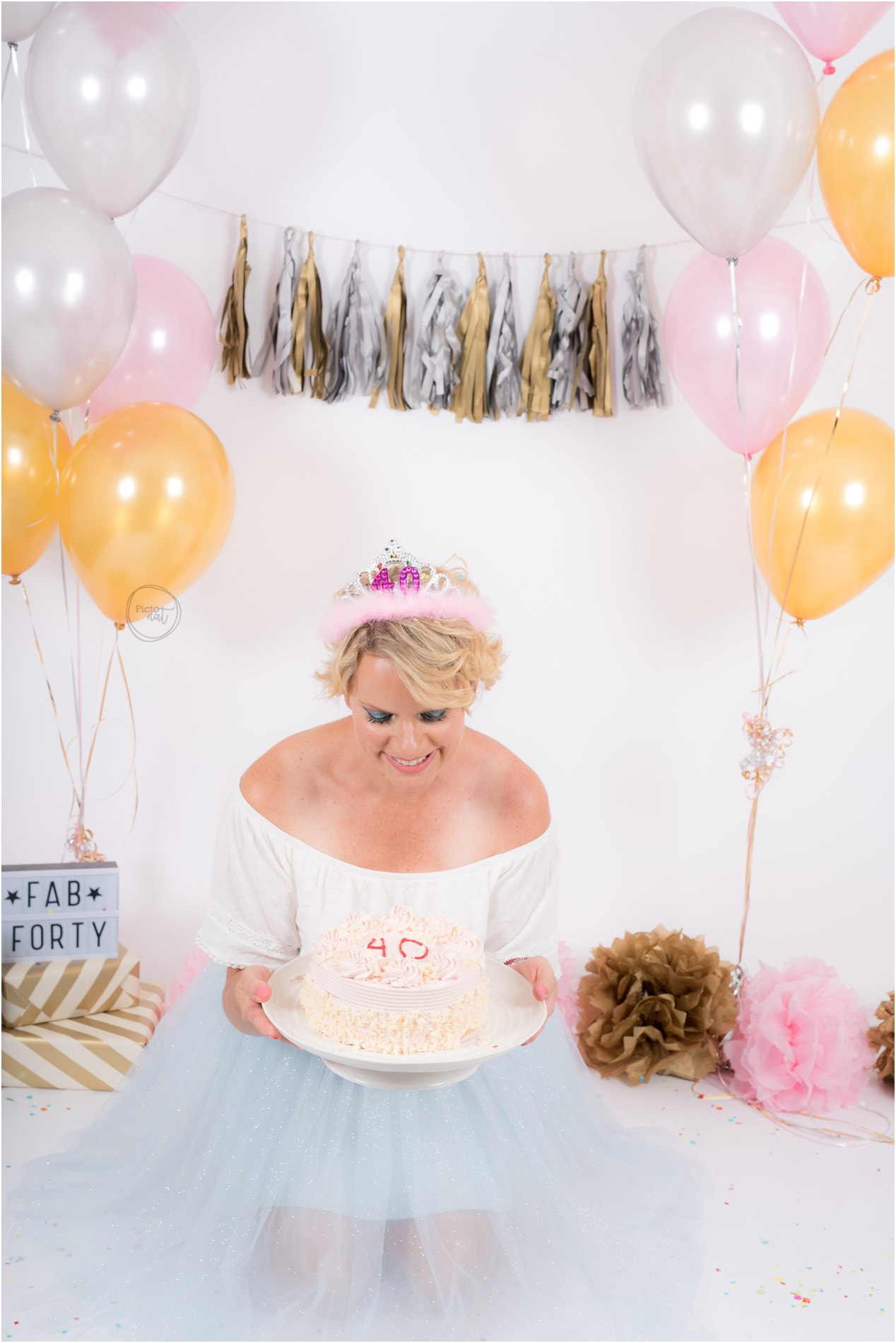 PictonatPhotography_FabForty_CakeSmash-3a